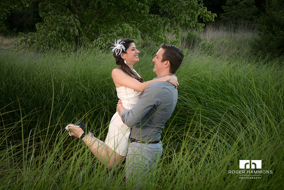 Northern Virginia wedding and portrait photographer Roger Hammons shares an engagement session portrait of Shahla and Tom at a park near the photographer's Ashburn portrait photography studio.